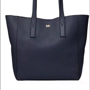 Nwt micheal kors navy pebbled leather large tote